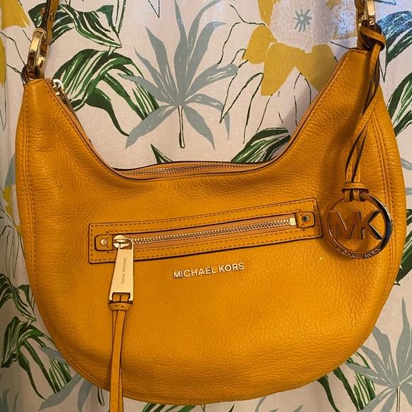Michael Kors Handbags - MK Crossbody Purse.